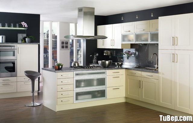 traditional-kitchen-cabinets-24