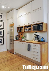 33-white-cabinets-pair-beautifully-with-natural-wood-homebnc