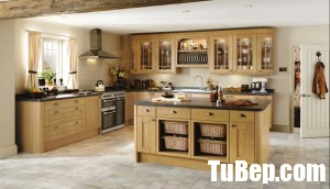 Tewkesbury Light Oak - Traditional Kitchen From Howdens Joinery - Howdens Discontinued Kitchen Doors - Whlmagazine Door Collections